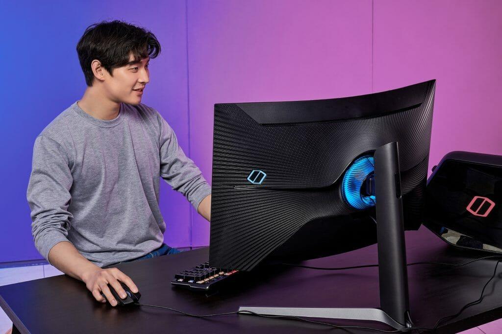Odyssey G7 dl5 1024x682 - Presenta Samsung monitor curvo Odyssey G7